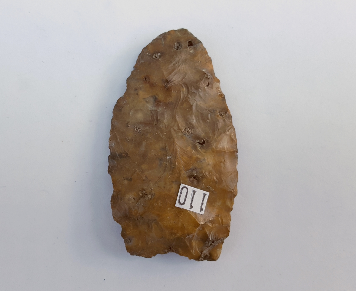 Fl. Clovis type arrowhead w/COA. | Fossils & Artifacts for Sale | Paleo Enterprises | Fossils & Artifacts for Sale